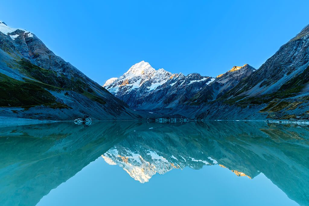 Hooker Lake, Aoraki Mount Cook National Park, New Zealand